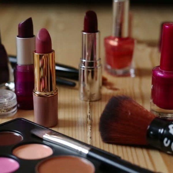 化妝品 (化妆品)