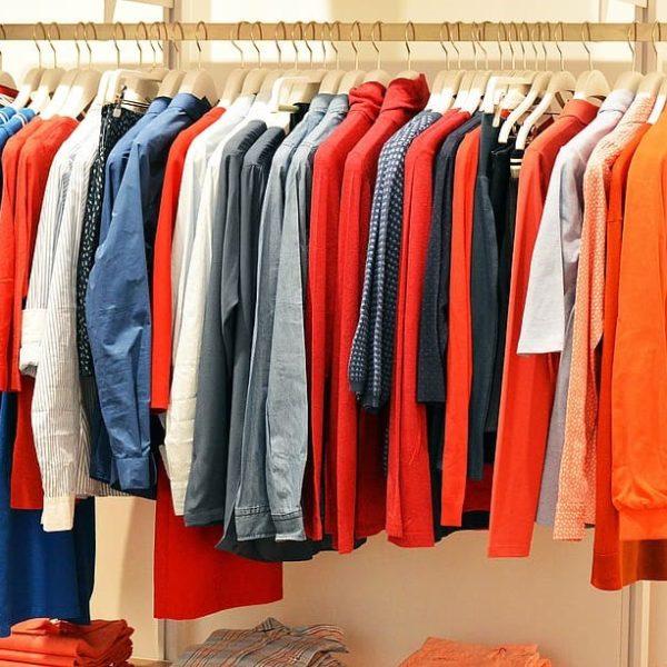 衣服 (衣服)